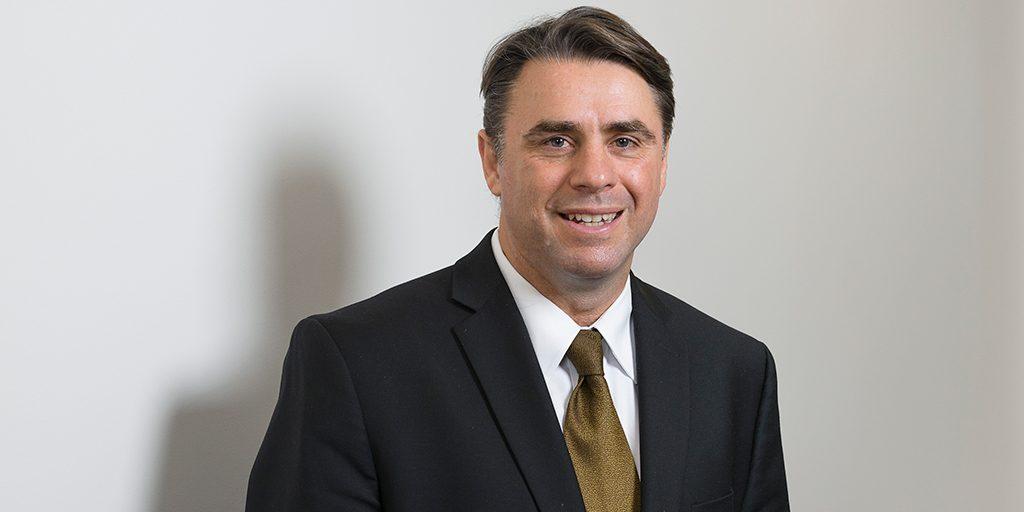 Simon Lake, Former CEO